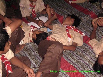 tidur saat kegiatan