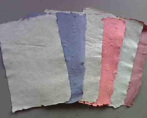 Kertas Daur Mendaur Ulang Barang Bekas