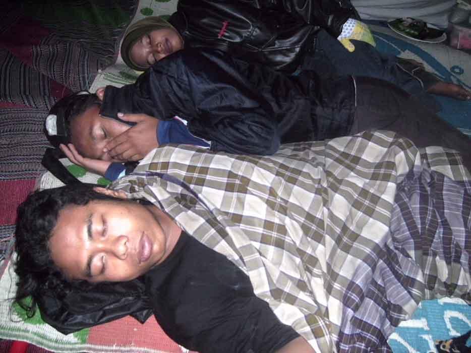 Unduh 1060+ Gambar Lucu Orang Tidur Kedinginan Terlucu