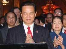 Perdana Menteri Vietnam memimpin voting untuk Halong Bay