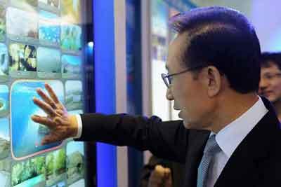 Presiden Korea Selatan memberikan vote untuk Pulau Jeju