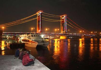 Sungai Musi dan Jembatan Ampera