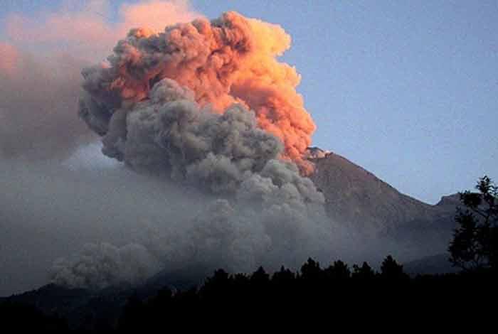 emisi gunung berapi