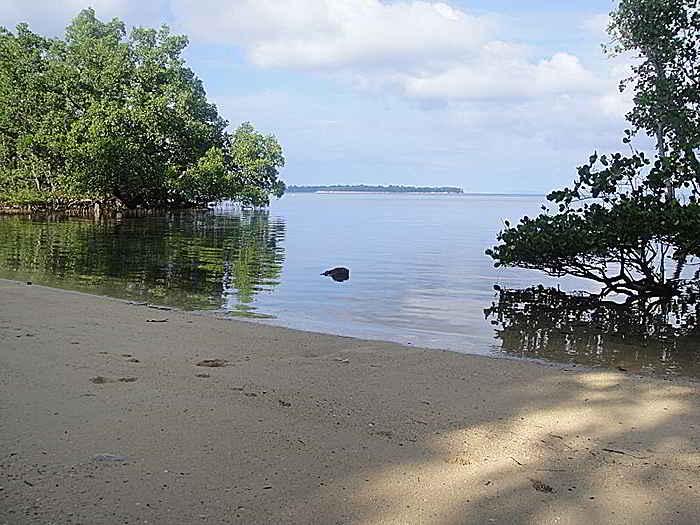 Pantai Bunaken, Sulawei Utara
